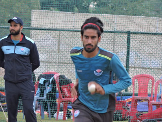 Mumbai Indian's call Mujtaba Yousuf for IPL trials .Pic/KSW