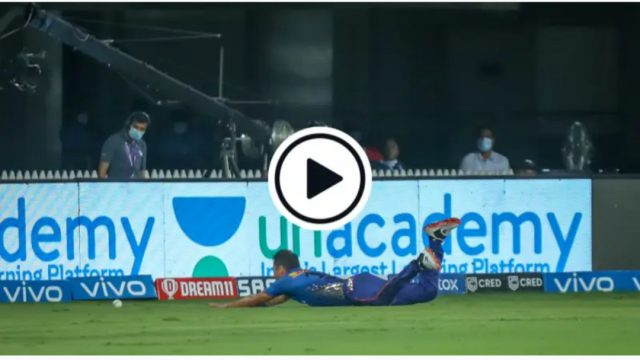 Trent Boult's hilarious fielding effort which left Krunal Pandya fuming. Pic/Screen Grab