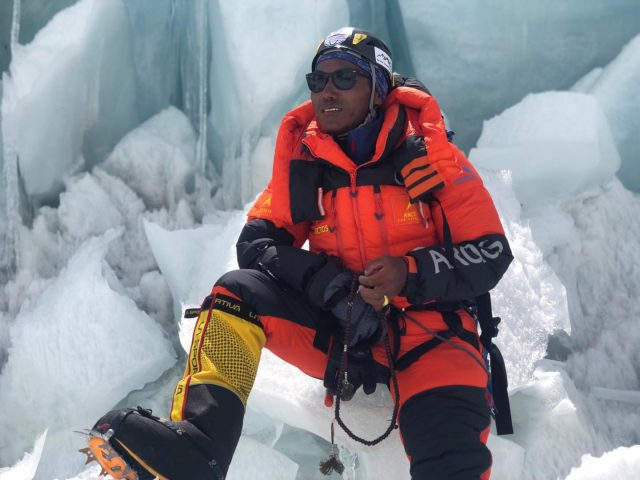 Kami Rita Sherpa climbs Mount Everest 25th time , breaks own record. Pic/Twitter
