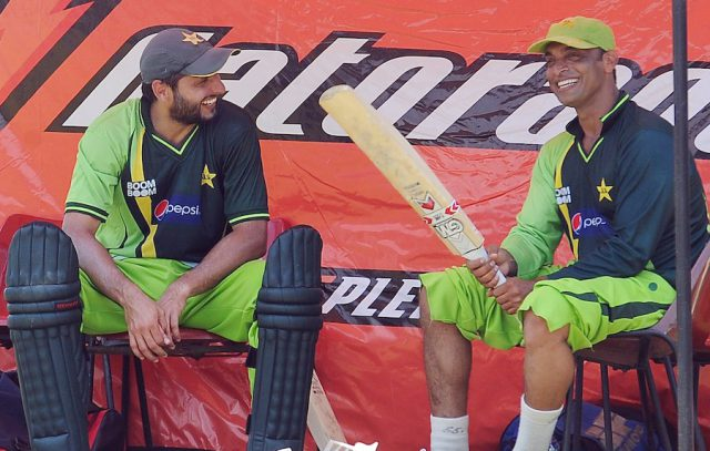 Remember when Shoaib Akhtar hit Mohammad Asif with bat: Here is what Shahid Afridi had to say. Pic/Twitter