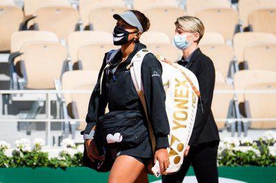 Naomi Osaka withdraws from French Open after expulsion threat over media boycott
