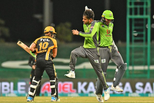 Rashid Khan stuns Zalmi with 5-fer as Qalandars win by 10 runs. Pic/PSL