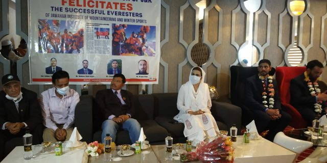 WGAJK felicitates Mount Everest climbers of JIM&WS in Srinagar. Pic/ Rauf Tramboo