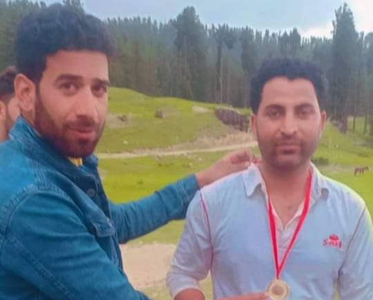 Haijan League: Mir Shafi leads Mir Brothers to thrilling win. Pic/KSW