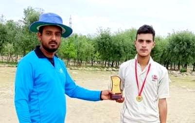 Yasir Hameed stars in Smart Strikers win. Pic/KSW