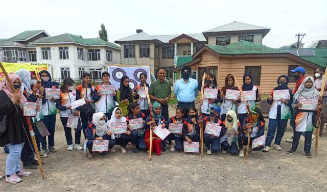 Archery camp concludes at Youth hostel, DG YSS gives away prizes. Pic/KSW