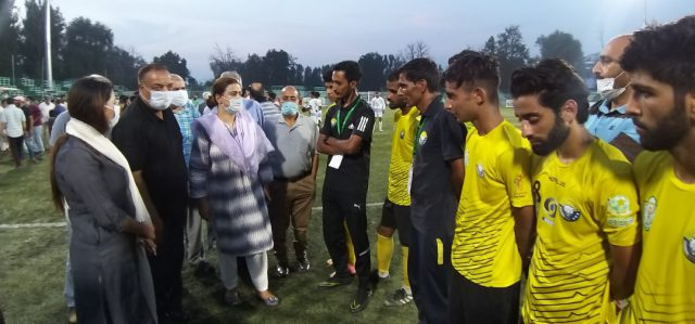 Secretary Sports Council interacting with players during second match of the day in JKFA Professional League on Monday at TRC Ground Srinagar. Pic/KSW