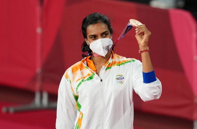 Advisor Khan congratulates PV Sindhu, Indian men's Hockey team for Olympics feat. Pic/Twitter