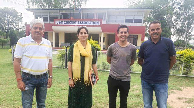 Qayoom Bagaw, other CAC members meet Mithun Manhas