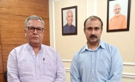Ranjeet Kalra calls on Advisor Khan: Requests for early release of Sports Policy , appointments under SRO 349. Pic/KSW