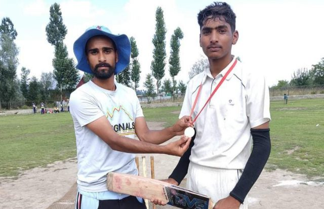 Kamran Pathan stars in Jahangir XI win in Baghnder tourney. Pic/KSW