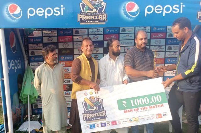 JKPL: Abid Nabi stars as City Hunks beat Kashmir Harvard. Pic/KSW