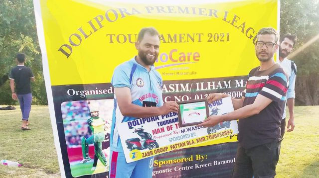 Dolipora League: Dar Shabir claims 6-wkt haul in Baba Reshi CC win. Pic/KSW