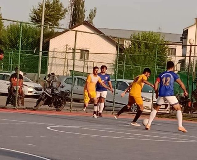 Hyderya Sports beat Young Iqbal by 10-1 goals in Futsal tourney. Pic/KSW