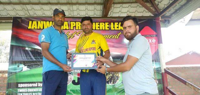 Janwara League: Shinning Stars Sopore outplay Bhat XI Batingoo. Pic/KSW