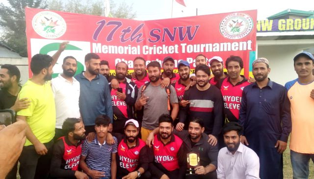 SNW Tourney: Imtiyaz Malla last over heroics carry Master-XI into final. Pic/KSW